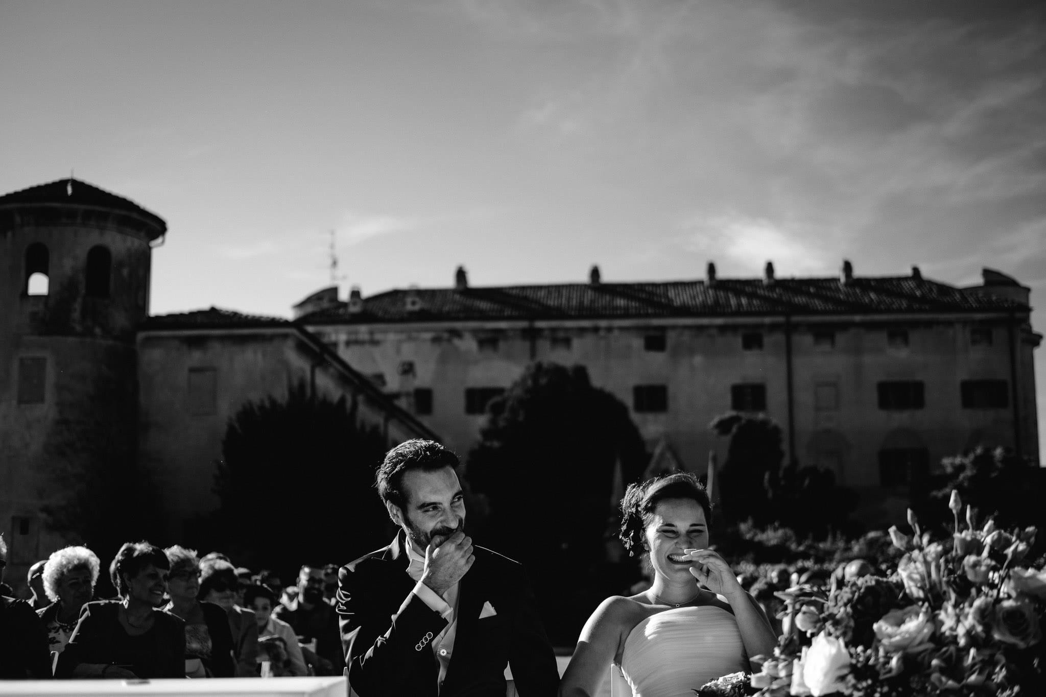 fotografo matrimonio rock vercelli castello di DESANA 0039