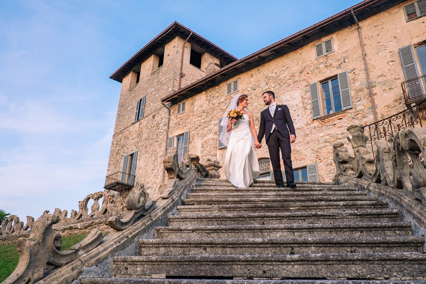 coppia di sposi scale matrimonio castello durini