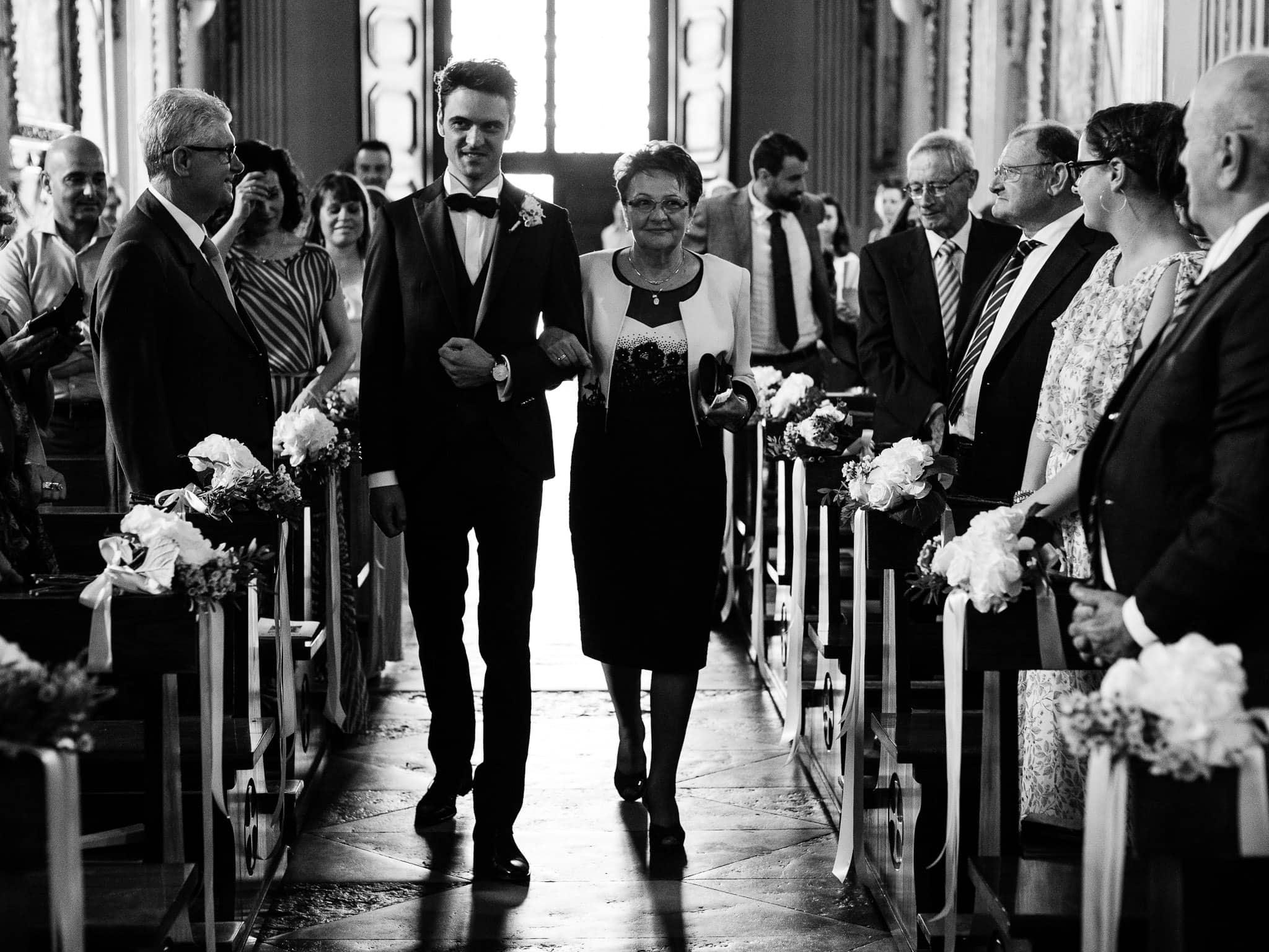 ingresso sposo chiesa sacro monte