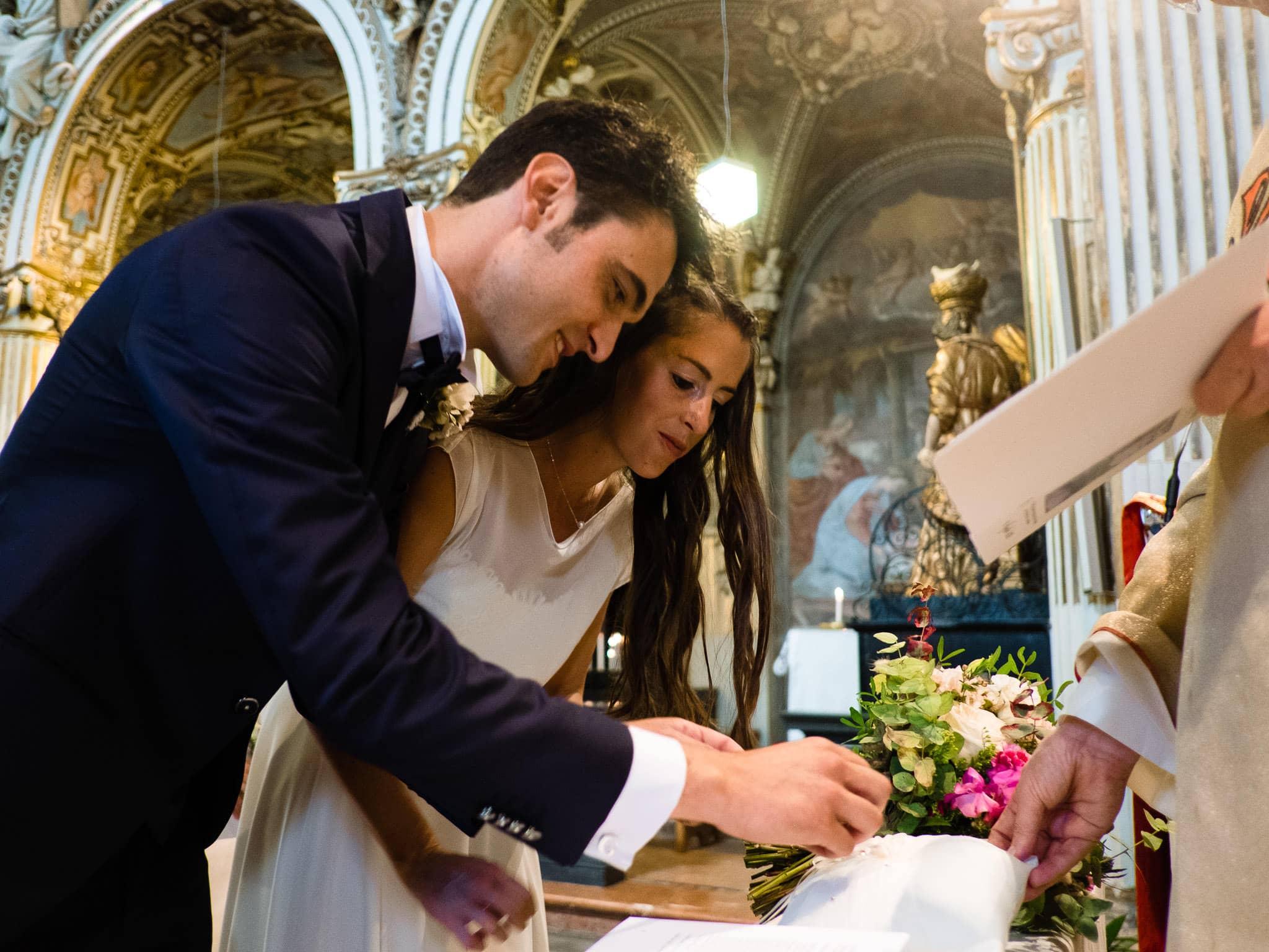 scambio anelli sposi chiesa sacro monte varese