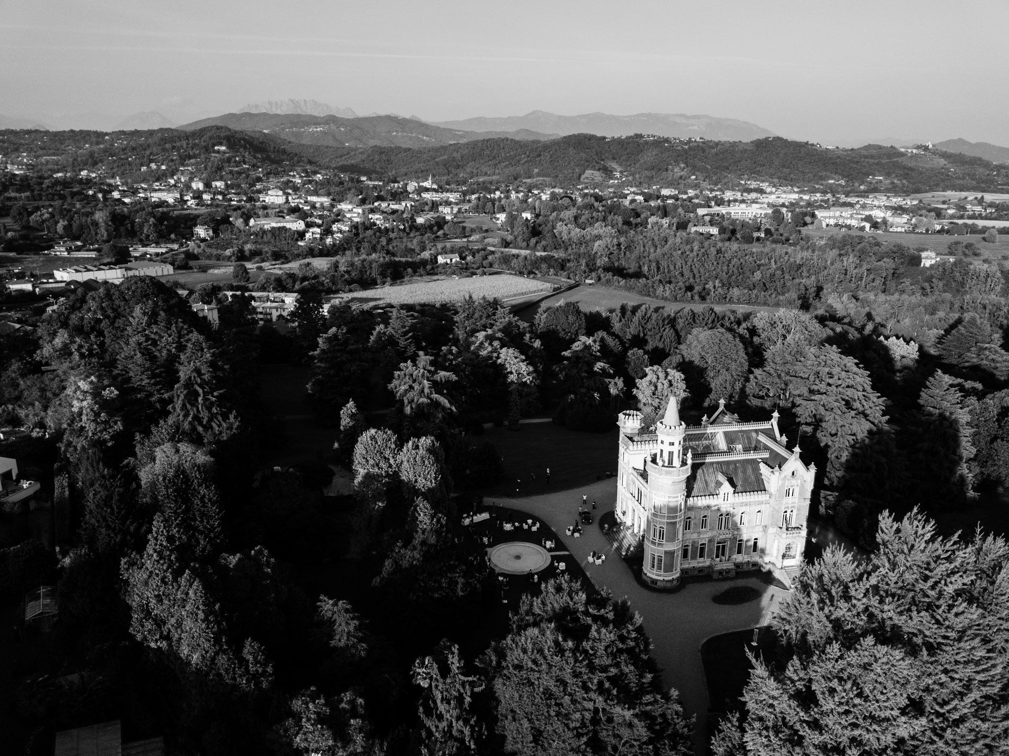 villa lattuada dall'alto