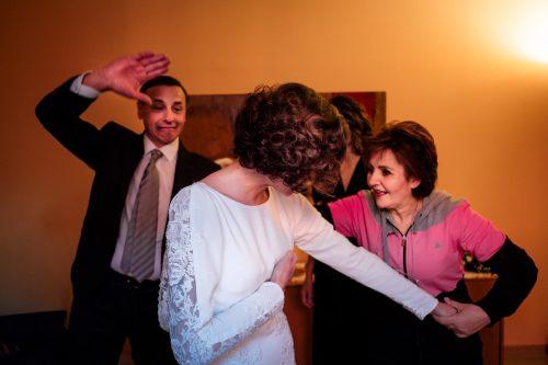 foto spontanee e divertenti sposi