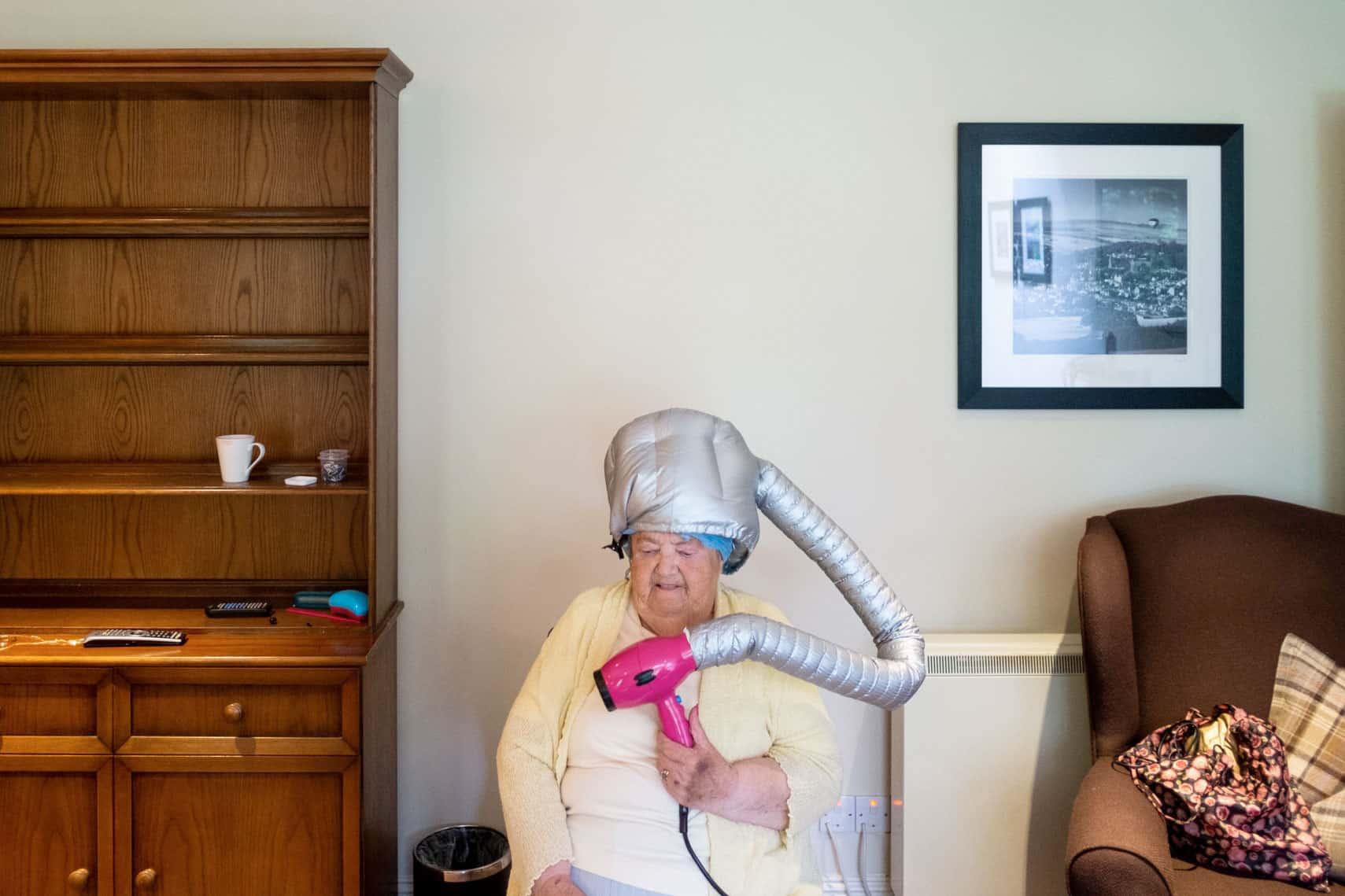 foto della mostra di ian weldon sul matrimonio