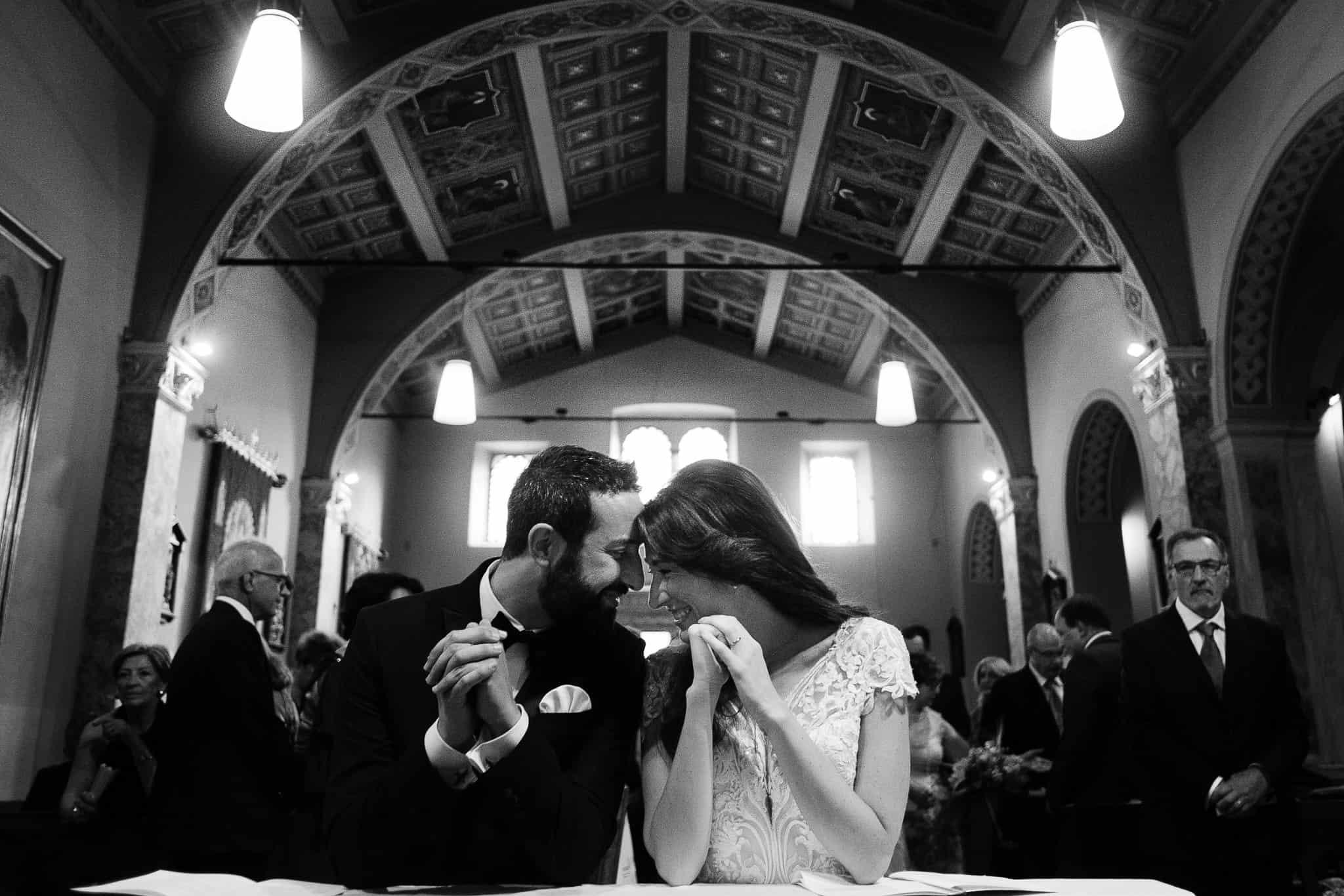 Sposi matrimonio in bianco e nero