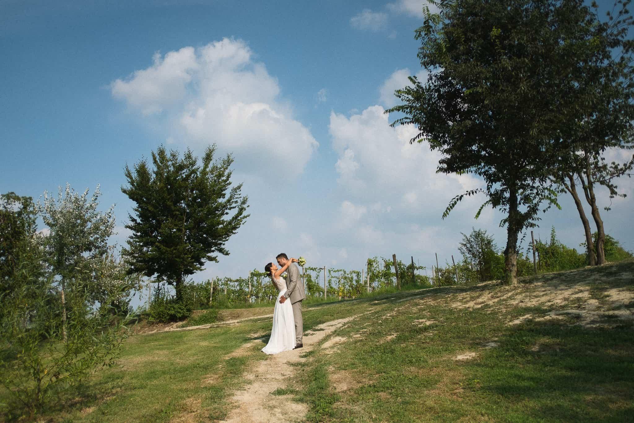 sposi sulle colline delle langhe